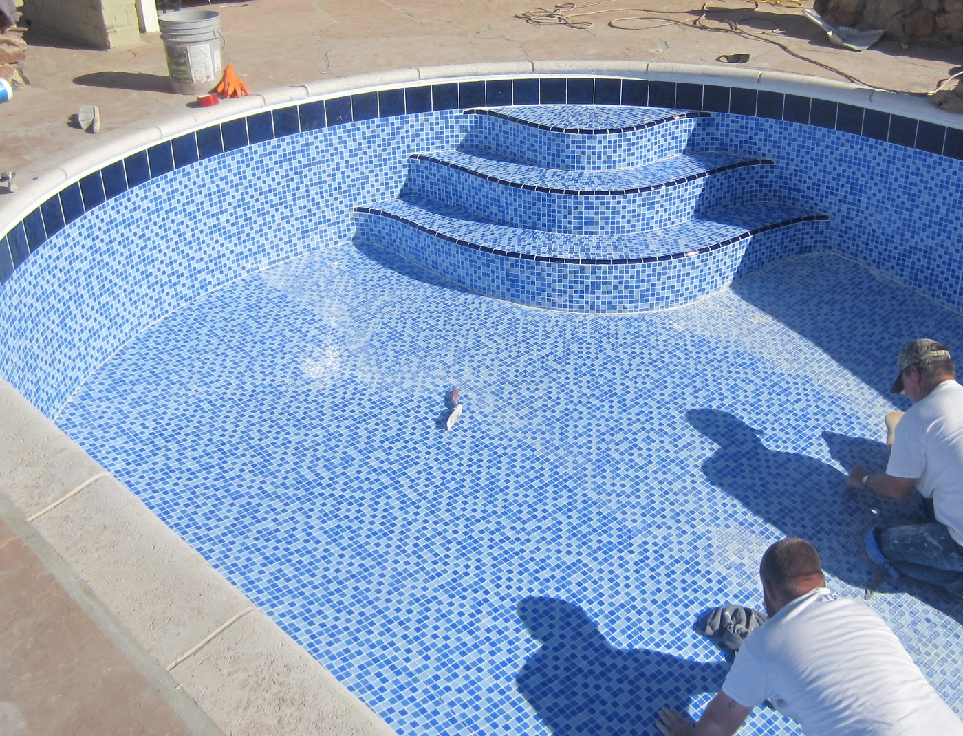 Restructuring a swimming pool